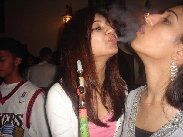 Shisha Smoking Girls in Pakistan